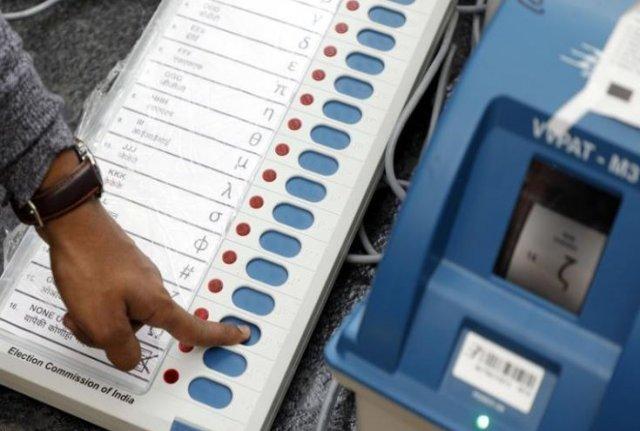 लोकसभा चुनाव ! चुनाव ड्यूटी पर तैनात दो कर्मचारियों की मौत