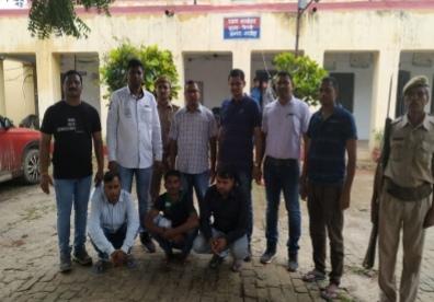 तस्करी ! पत्रकारिता की आड़ में, तीन चढ़े महाराष्ट्र पुलिस के हत्थे