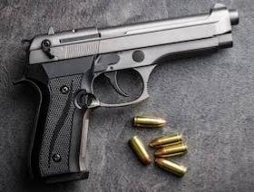 हत्या ! रात में टहलते समय वकील को मारी गोली