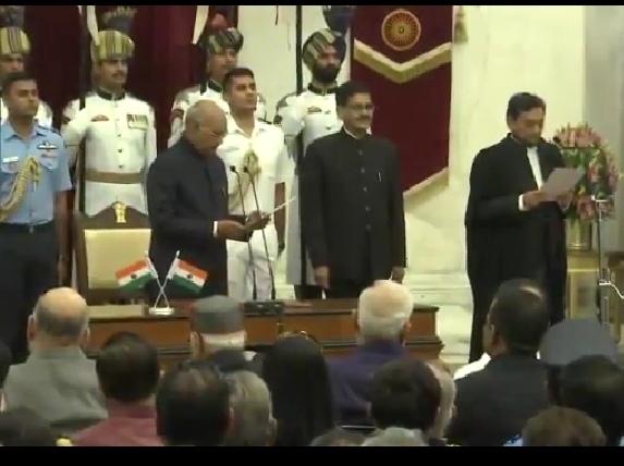 सर्वोच्च न्यायालय! न्यायाधीश शरद अरविंद बोबड़े ने ली मुख्य न्यायाधीश पद की शपथ