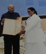सुशीला देवी ! नाइटेंगल फ्लोरेंस अवार्ड से राष्ट्रपति ने किया सम्मानित