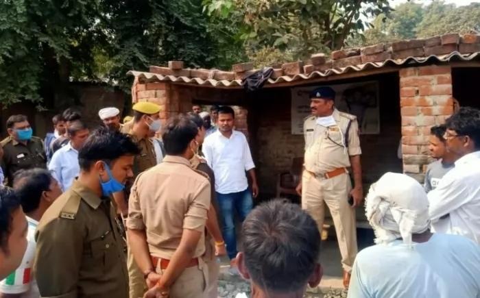 दो बैंक मित्रों से लूटे ₹ एक लाख चार हजार