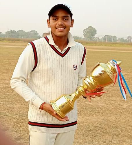 उत्तर प्रदेश क्रिकेट एसोसिएशन अंडर-19 के फाइनल कैंप हेतु चयनित हुआ अथर्व प्रजापति